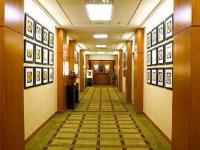 Holiday-Inn-Select-cafe-hall